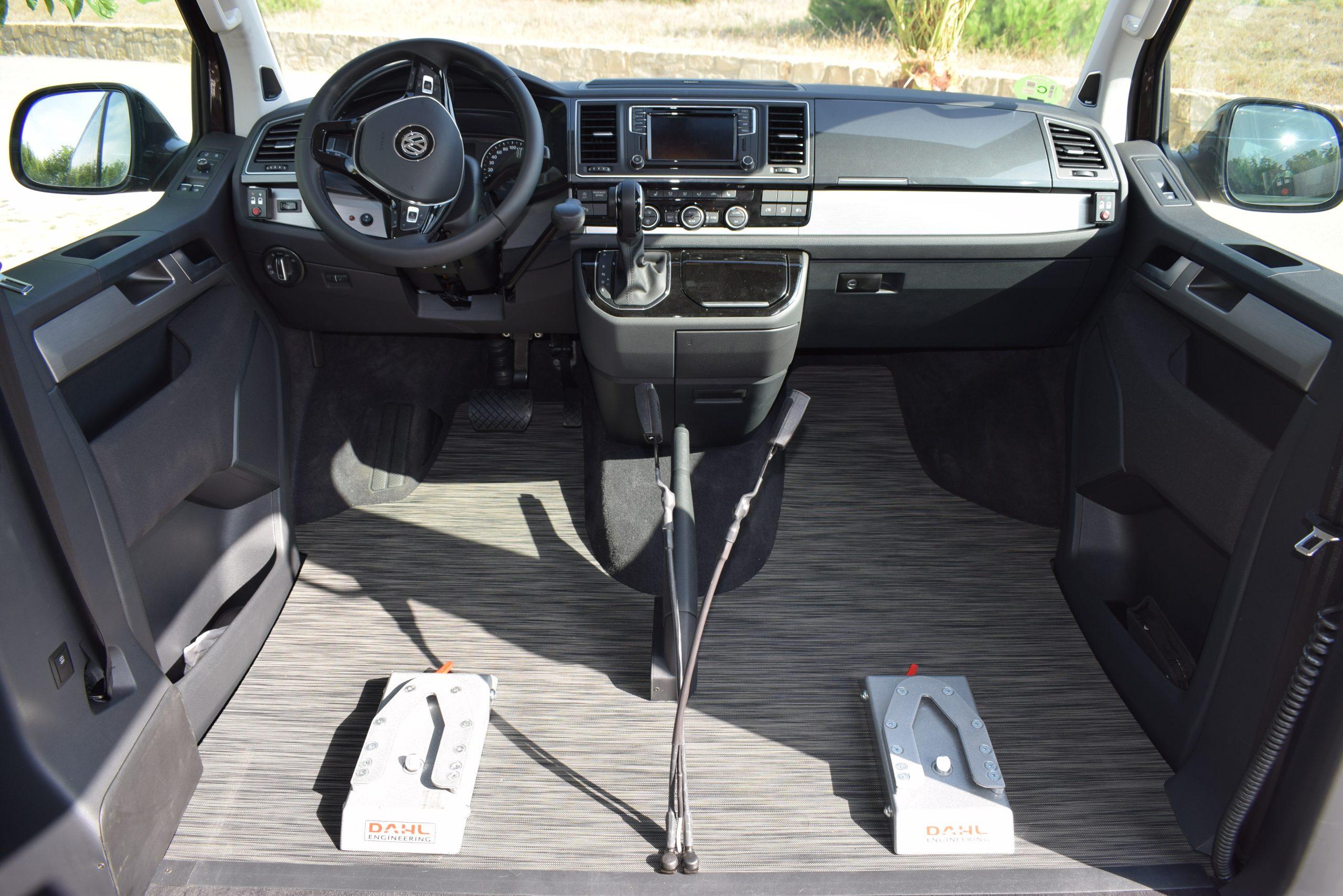 Imagen de adaptación vehículo para conducir con Silla de ruedas
