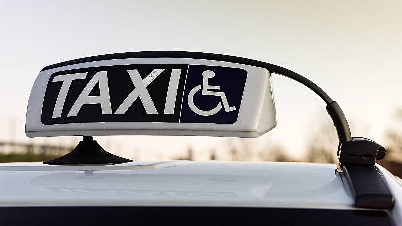 taxi adaptado para personas con movilidad reducida